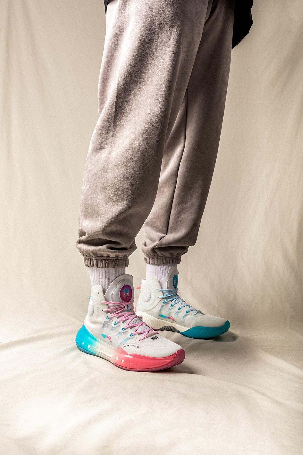 李宁,吉米·巴特勒,明星,驭帅 14  今年「涨价最夸张」球鞋!每次 1 秒售罄!全新配色登记马上结束!