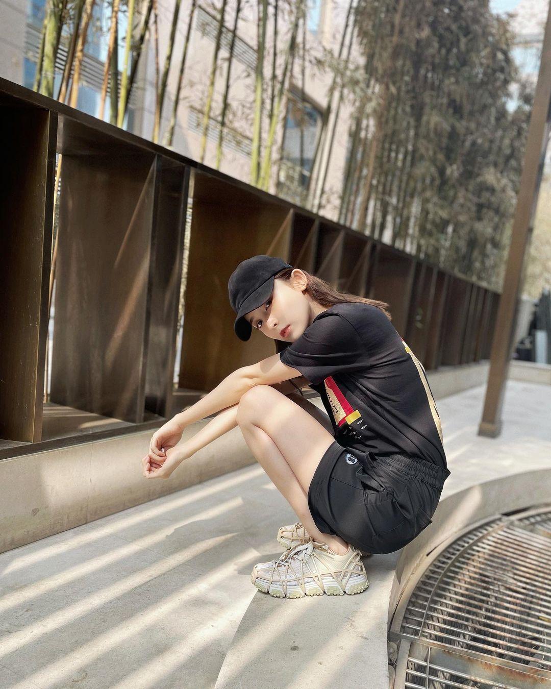 李宁,Mix ACE,发售,明星,娜扎  腿长逆天!娜扎上脚神秘新鞋!这双鞋果然大有来头!