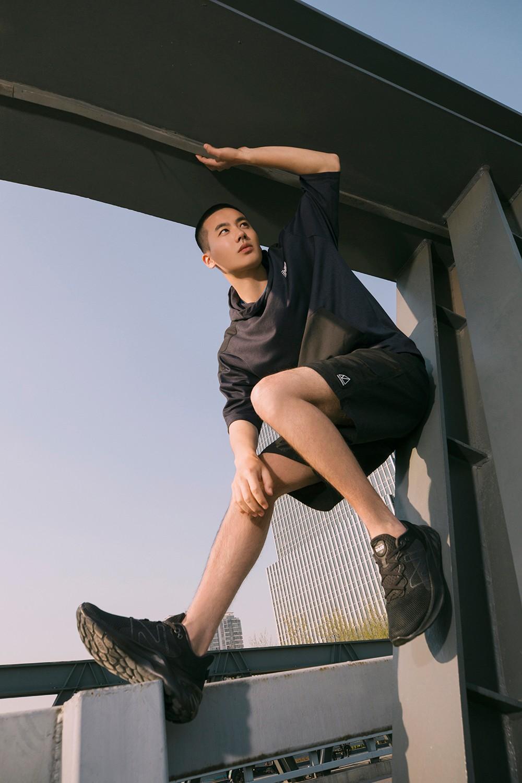 New Balance,Fresh Foam Roav v2  上脚超轻!渐变配色够骚气!夏天还得穿这样的鞋!