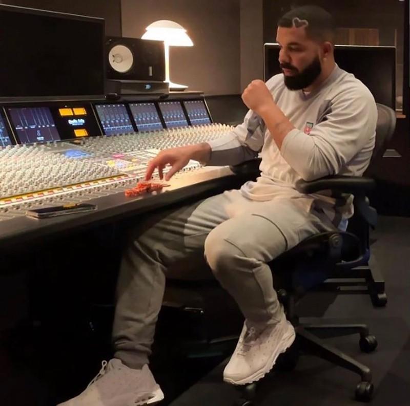NOCTA,Nike,Hot Step Air Terra,  霸气蛇纹!Drake x Nike 联名鞋新配色曝光!