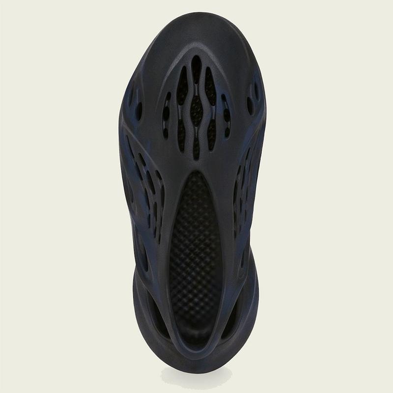 adidas,Yeezy,Foam Runner,Miner  低调不失高级!Yeezy「洞洞鞋」全新配色即将登场!