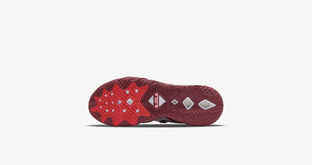 Nike,LeBron 18 Low,CV7562-102,  詹姆斯上脚全新联名 LeBron 18 Low!现已发售!