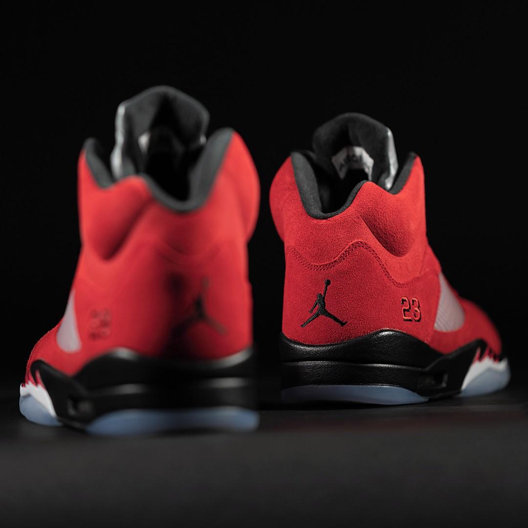 """Air Jordan 5,Jordan Brand,Nike  愤怒的公牛回归!Air Jordan 5 """"Raging Bull"""" 即将发售!"""