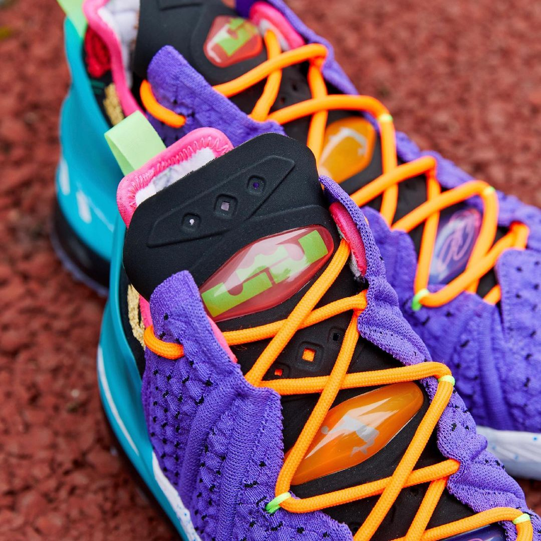 Nike,LeBron 18,DM2813-500  玫瑰刺绣点缀!全新 LeBron 18 现已上架!