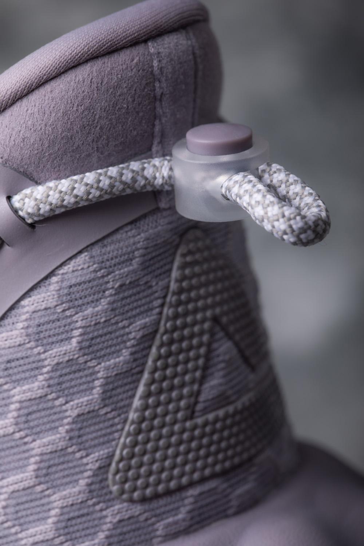 匹克,态极云 R1,发售  尼克杨晒「神秘新鞋」在抖音火了!等了十几年,终于有签名鞋了?