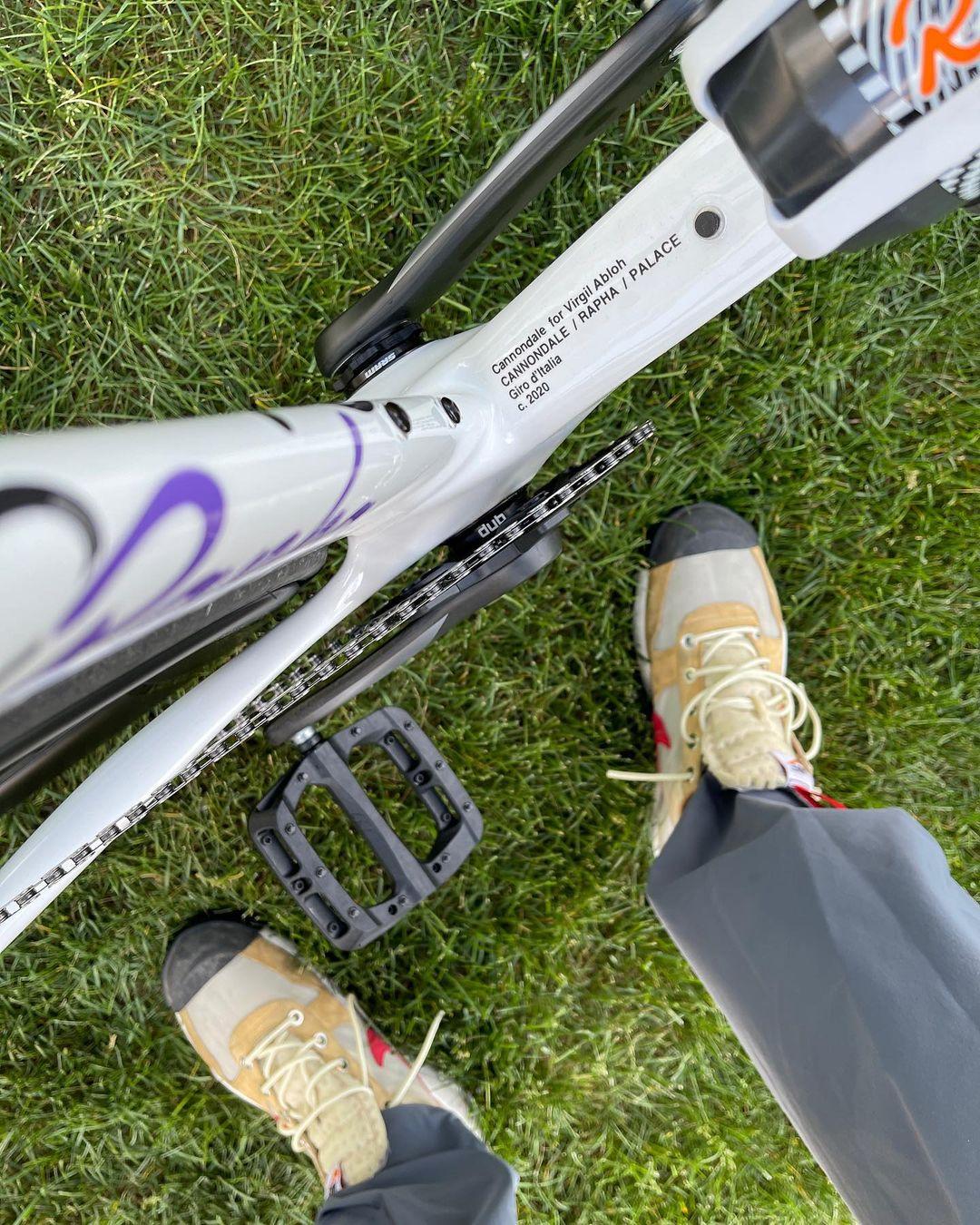 Virgil,Palace Skateboards,ARC'  Virgil 上脚超限量 Nike 联名!带货中国品牌!但最狠的还是...