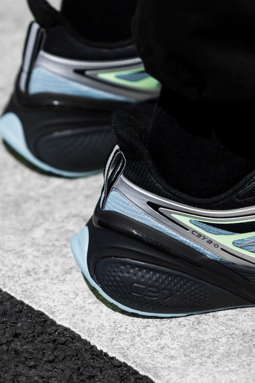 安踏,ANTA,C37  今年是怎么了?偷偷上架的狠鞋这么多!上次卖出 40 万双的神鞋又来了!