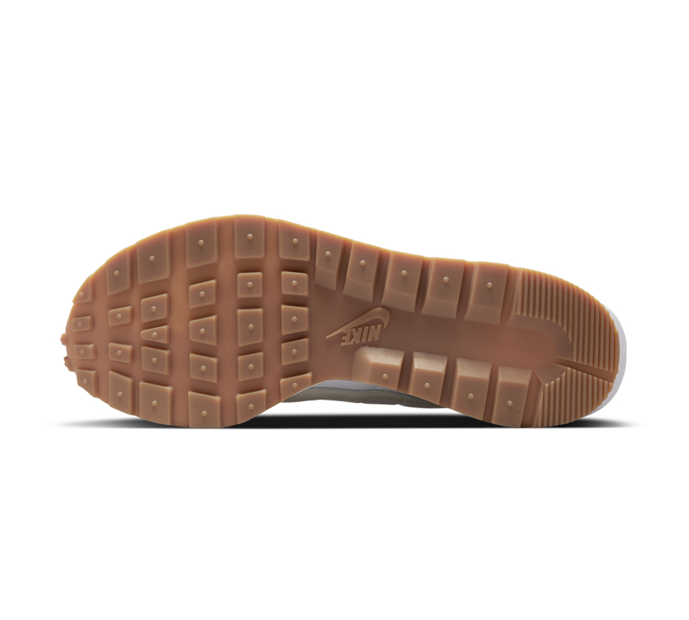 sacai,Nike,VaporWaffle  简约白生胶!全新 sacai x Nike VaporWaffle 官图曝光!