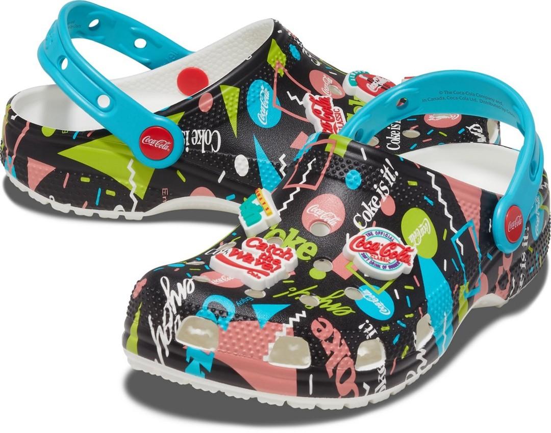 Crocs,Coca-Cola Classic,Coca-C   周雨彤上脚!又是跨界联名!Crocs x 可口可乐本周登场!