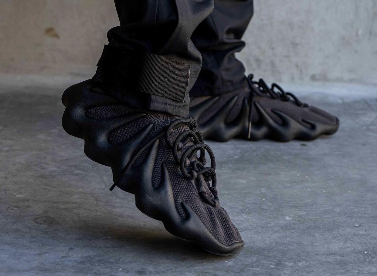 adidas,Yeezy,Yeezy 450,GY5386,  黑武士 Yeezy 450 明日发售!上脚照种草了!网友:国内发吗?