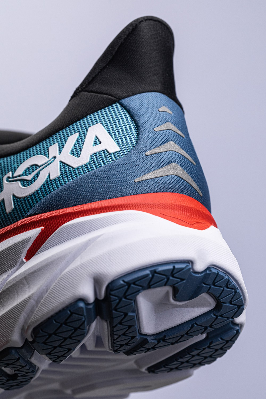 HOKA ONE ONE,发售, Clifton 8  超轻超软!还能增高!跪求一年的「夏日全能鞋款」终于来了!