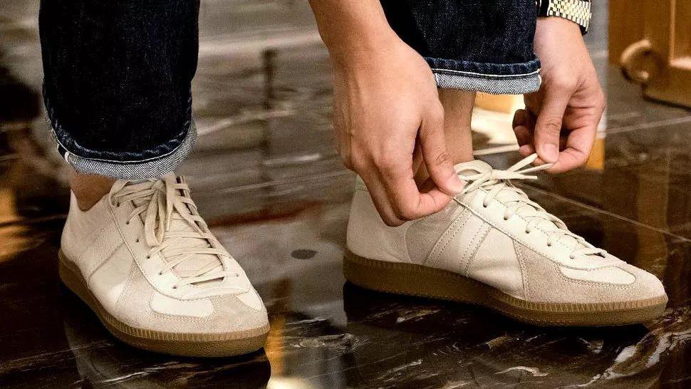 德训鞋,陈冠希,欧阳娜娜,Margiela,adidas,P  一边喊贵一边疯抢!冠希「头文字D」穿的鞋又火了!欧阳娜娜已经上脚!