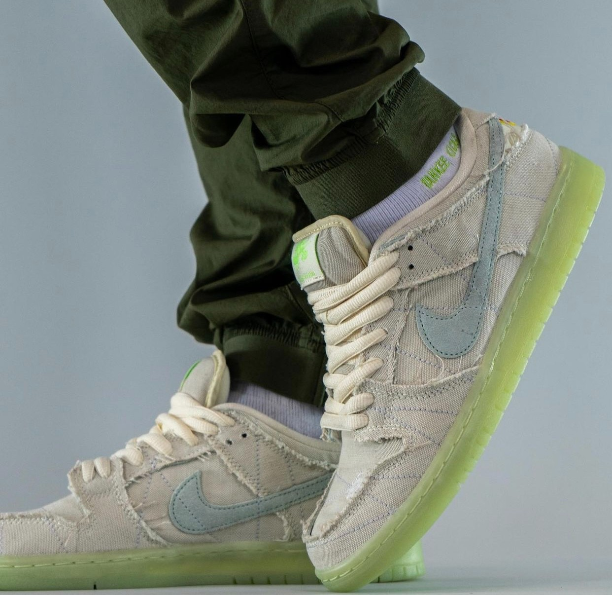 Nike,SB Dunk Low,Mummy  可玩性极高!全新「木乃伊」SB Dunk 上脚图曝光!