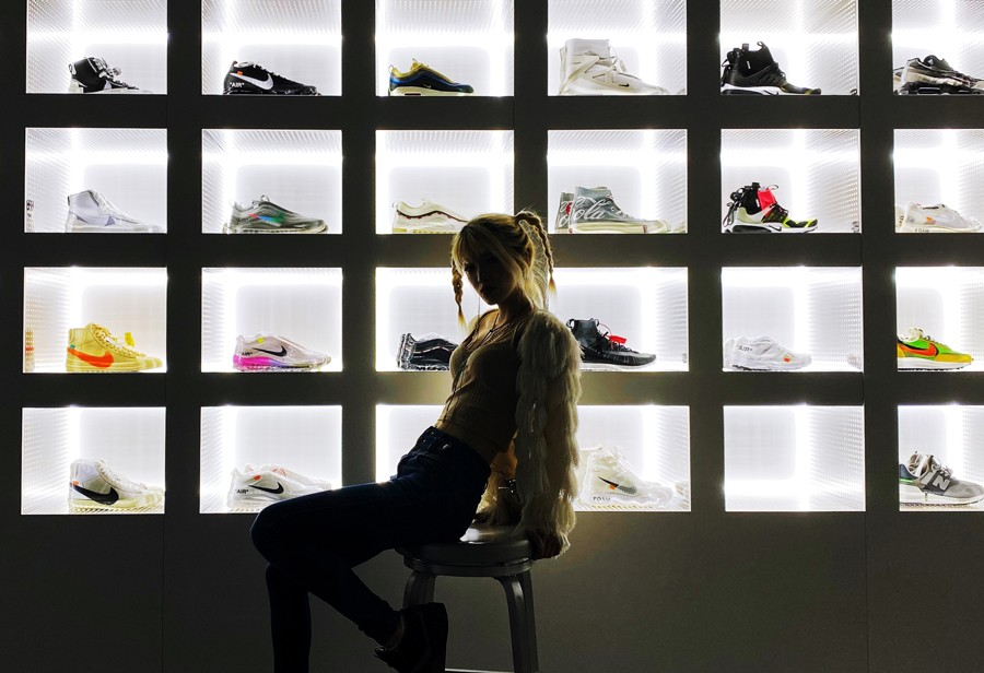 王嘉尔,、,马思,唯,坐镇,的,宝藏,综艺,满屏,  王嘉尔、马思唯坐镇的宝藏综艺!满屏都是「球鞋小姐姐」!