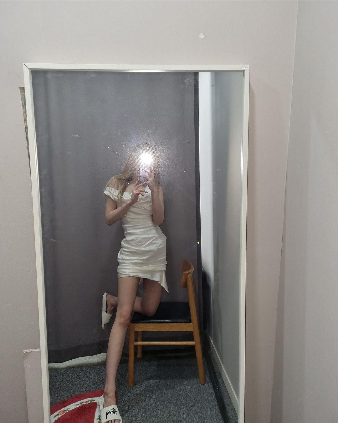 Jennie,「,渣女,穿搭,」,火了,这,身材,穿,400  Jennie「渣女穿搭」火了!这身材穿 400 块球鞋真顶!还有新晋长腿球鞋女神!