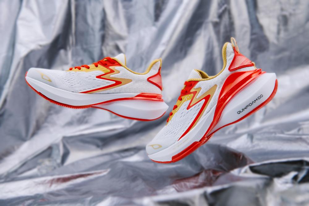 361°,AG1 SE,三态跑鞋,发售  飞天茅台为灵感?全新戈登 AG1 SE 刚刚发售!