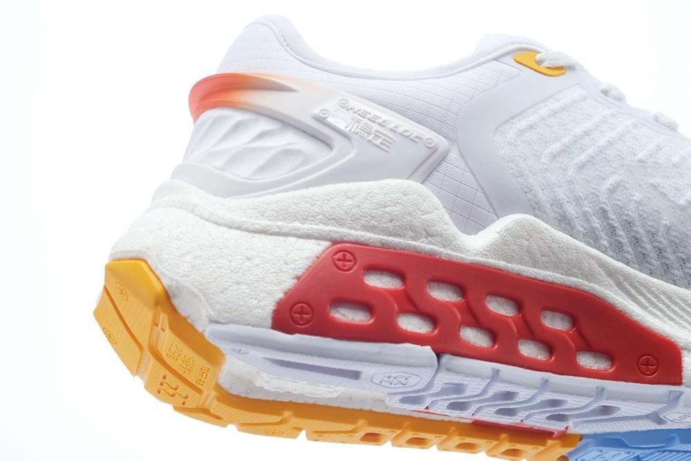 李宁,烈骏,飞电,超轻ACE  梦幻扎染太美了吧!李宁全新跑鞋发售日期有了!