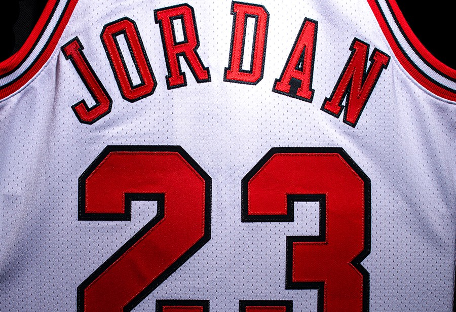 芝加哥,NBA,MITCHELL & NESS  元年芝加哥复刻!詹姆斯冠军 23 即将绝版!近期必入的经典这么多!