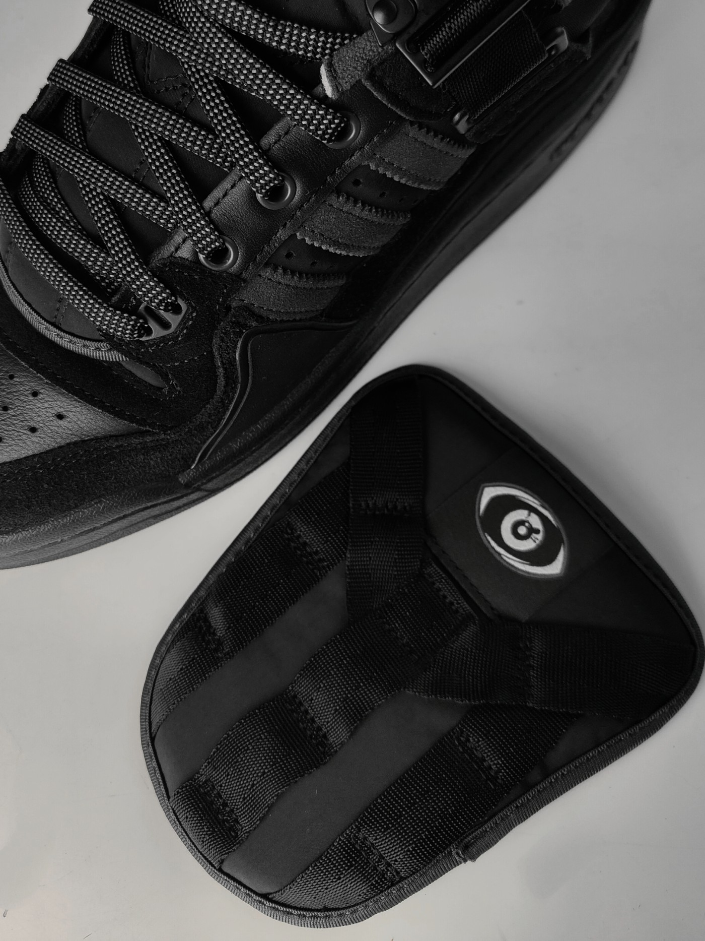 开箱,发售,Forum,adidas,Bad Bunny  上次市价 3 千!纯黑 Bad Bunny x adidas 抢先开箱!登记倒计时!