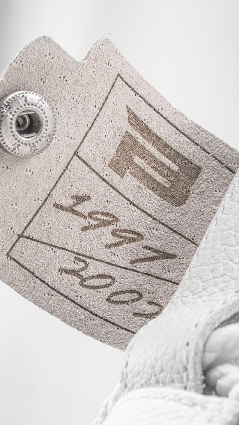安踏,王一博,anta,霸道 3.0,独白  每双都带独立编号!安踏「神秘新鞋」今晚 0 点登记!