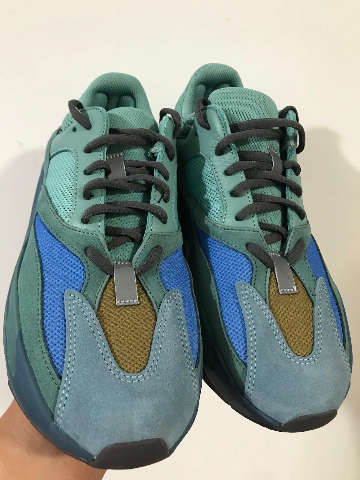 Faded Azure,700,Yeezy,adidas  一言难尽!「青铜器」Yeezy 700 实物曝光!网友:阳间点好吗...