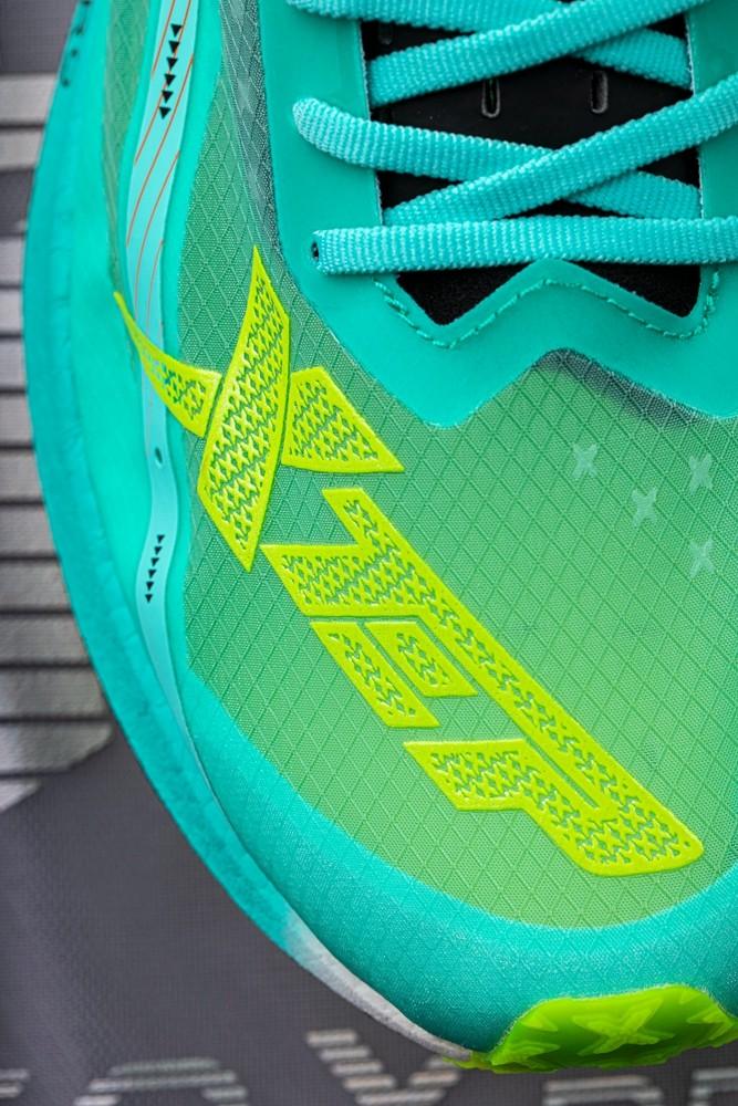 特步,160X Pro  高性价比「全碳跑鞋」又来了!全新 PRO 版本刚刚发售!