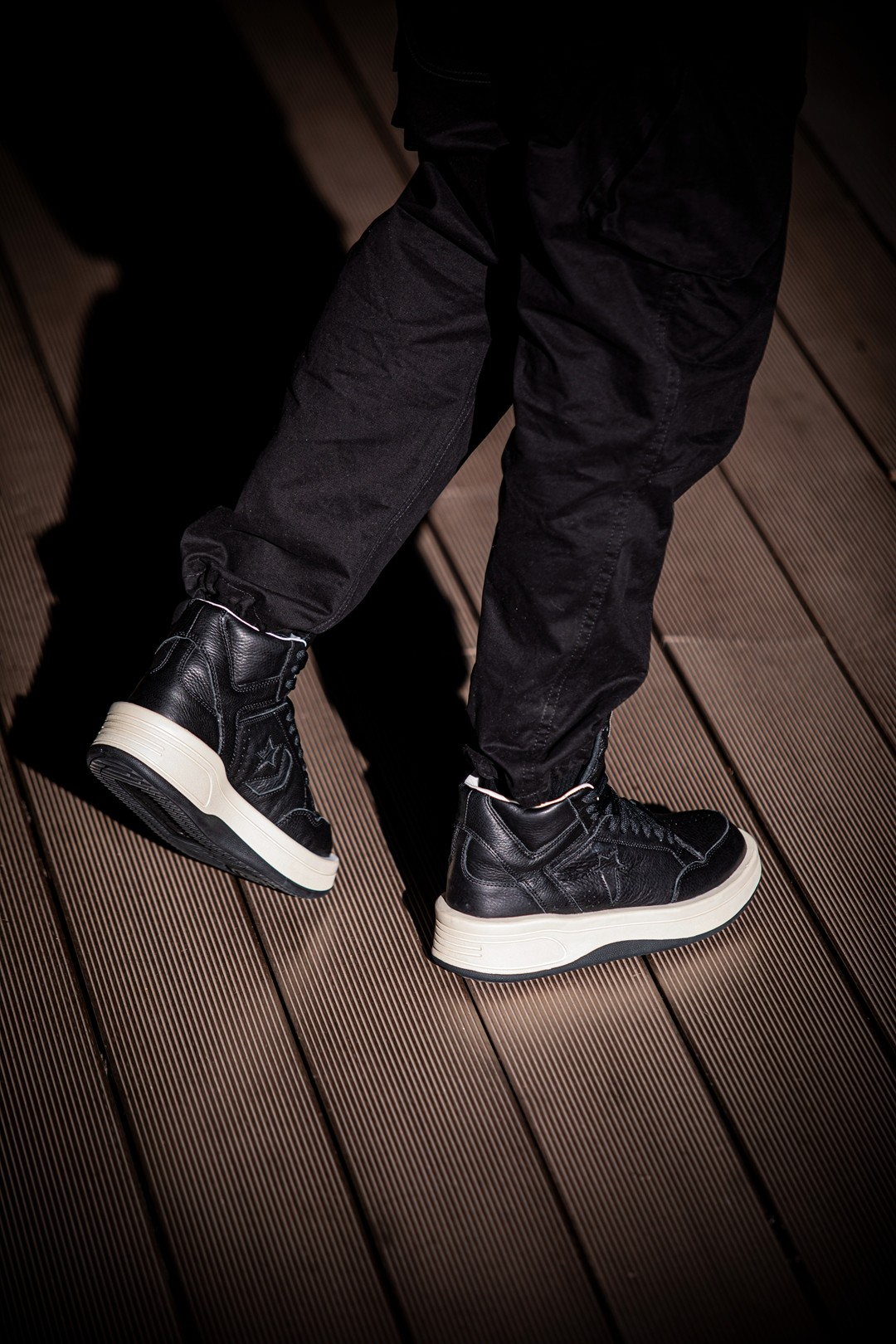 编辑部上脚  市价两千多的匡威!欧阳娜娜超爱的「暗黑教父」又出联名鞋!发售倒计时!