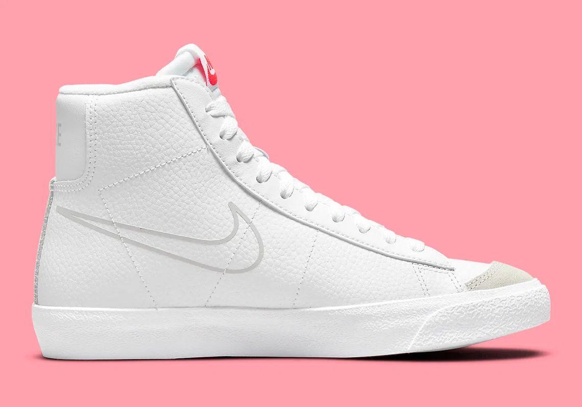 Nike,Blazer Mid,DO6487-100  简约配色 + 经典造型!全新 Blazer Mid 实物曝光!