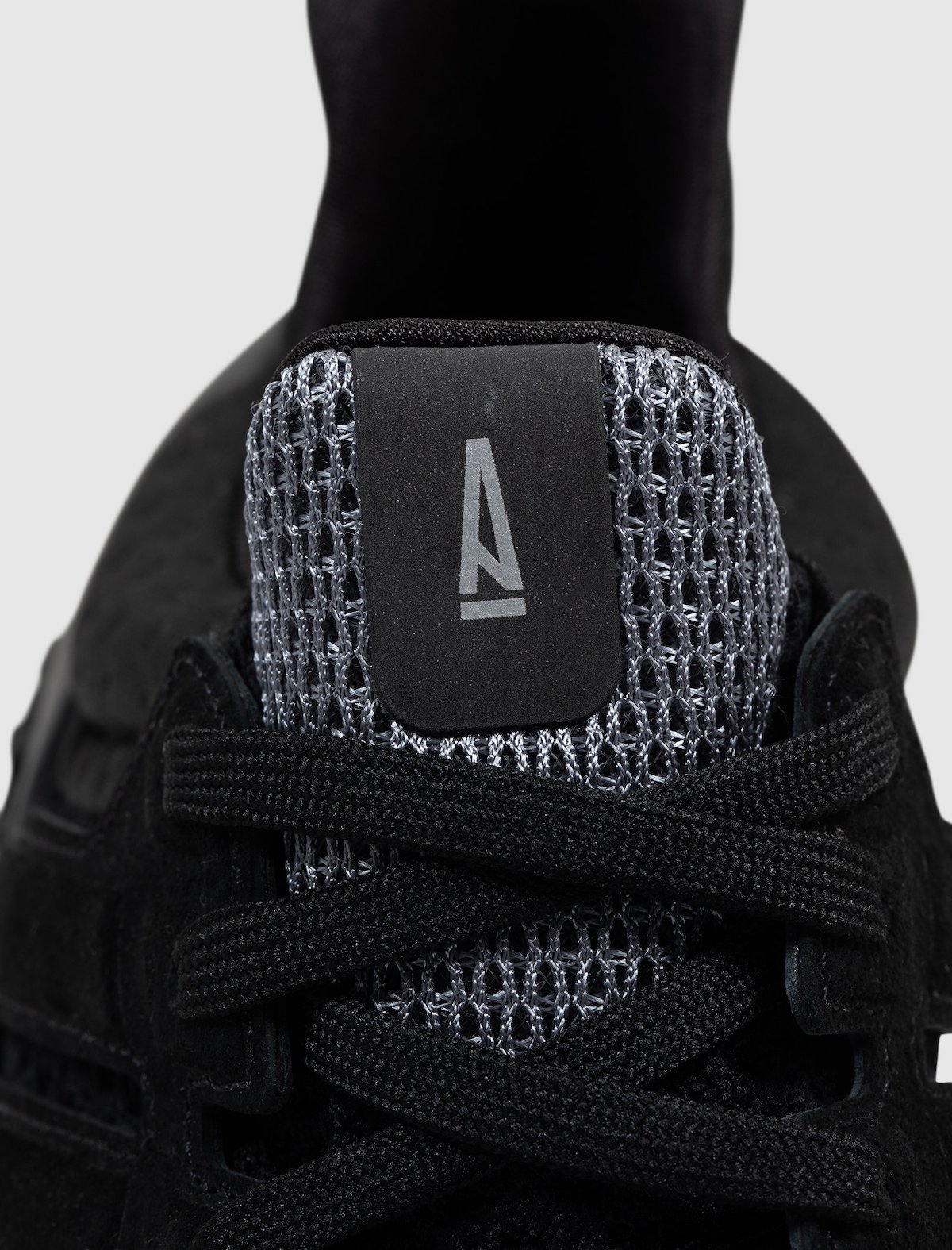 A Ma Maniere,adidas,Ultra 4D  「黑武士」装扮!全新 A Ma Maniere 联名即将发售!