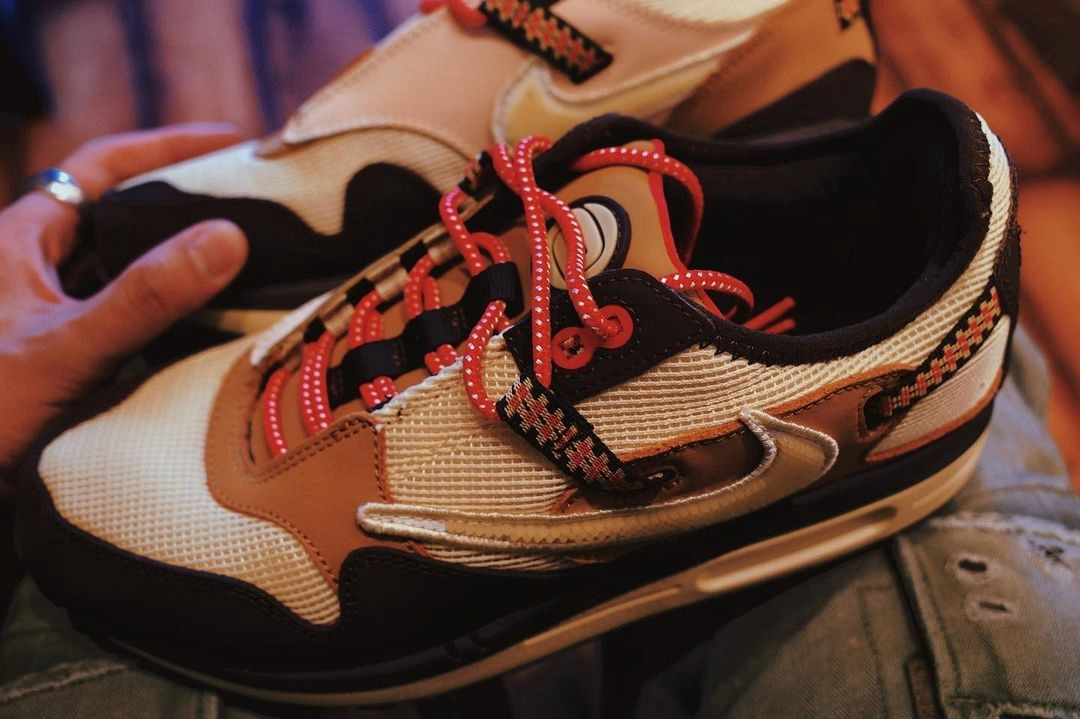 Travis Scott,Nike,Air Max 1  看着就不便宜!TS x Air Max 1 最新上脚图曝光!网友:先发一双?
