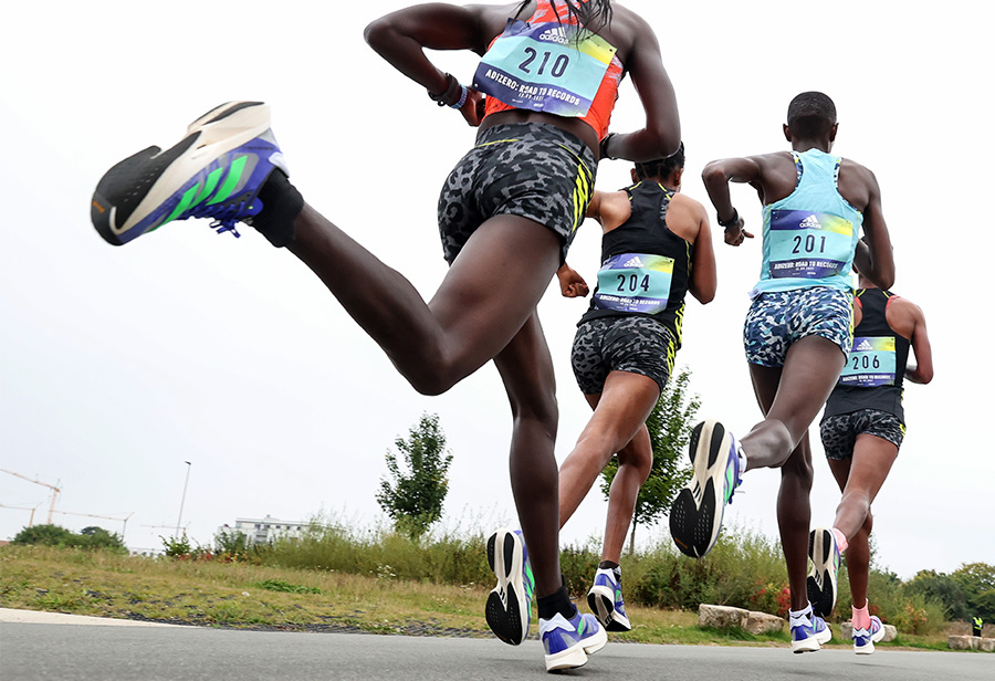 adidas,ADIZERO ADIOS PRO 2  打破多项记录!adidas 超顶跑鞋终于能买了!