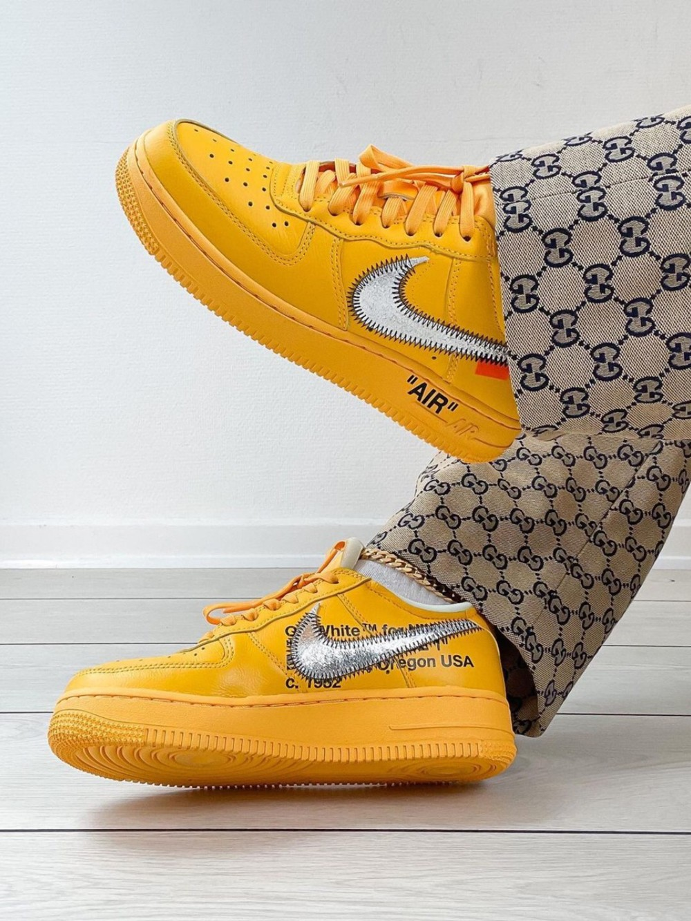 Nike,Air Jordan,New Balance  今年「天价鞋王」提前预定!「闪电反勾」勉强前三!最贵的能买它三双!