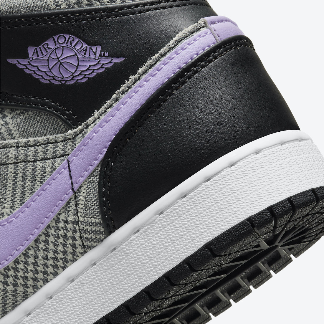 Air Jordan 1 Low,Air Jordan 1  附赠特别鞋带扣!两款「英伦风」AJ1 首次曝光!