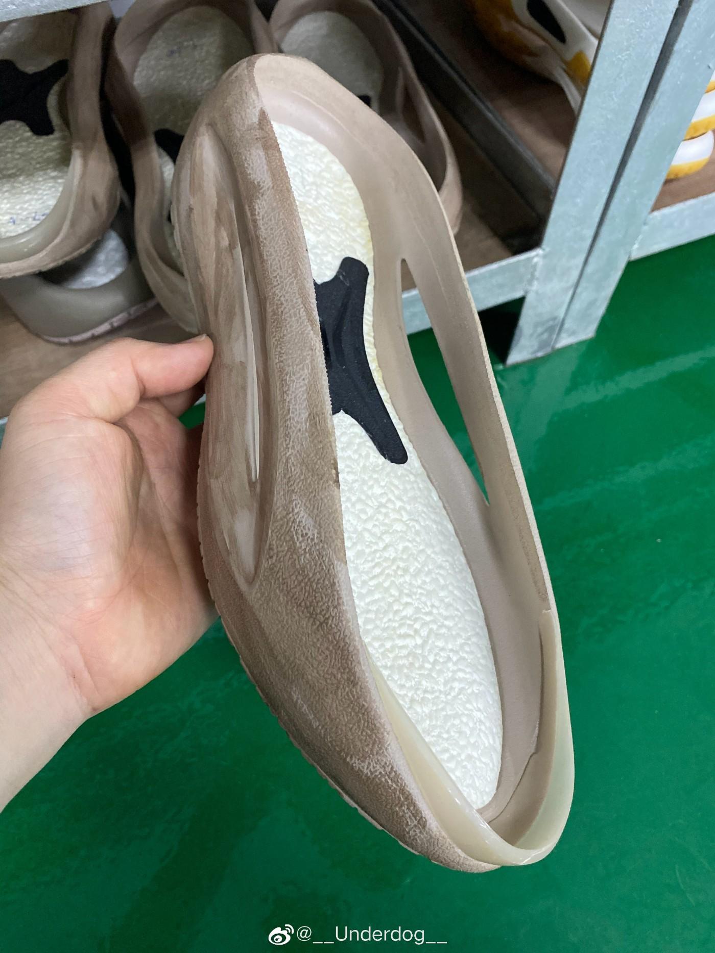 李宁,云游,发售  内置全掌䨻!李宁「小鸡鞋」刚刚上架!一看脚感就超爽!