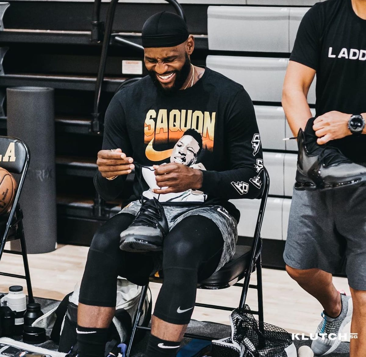 Nike,LeBron 19,詹姆斯  詹姆斯再次上脚纯黑 LeBron 19!看来是真爱啊!