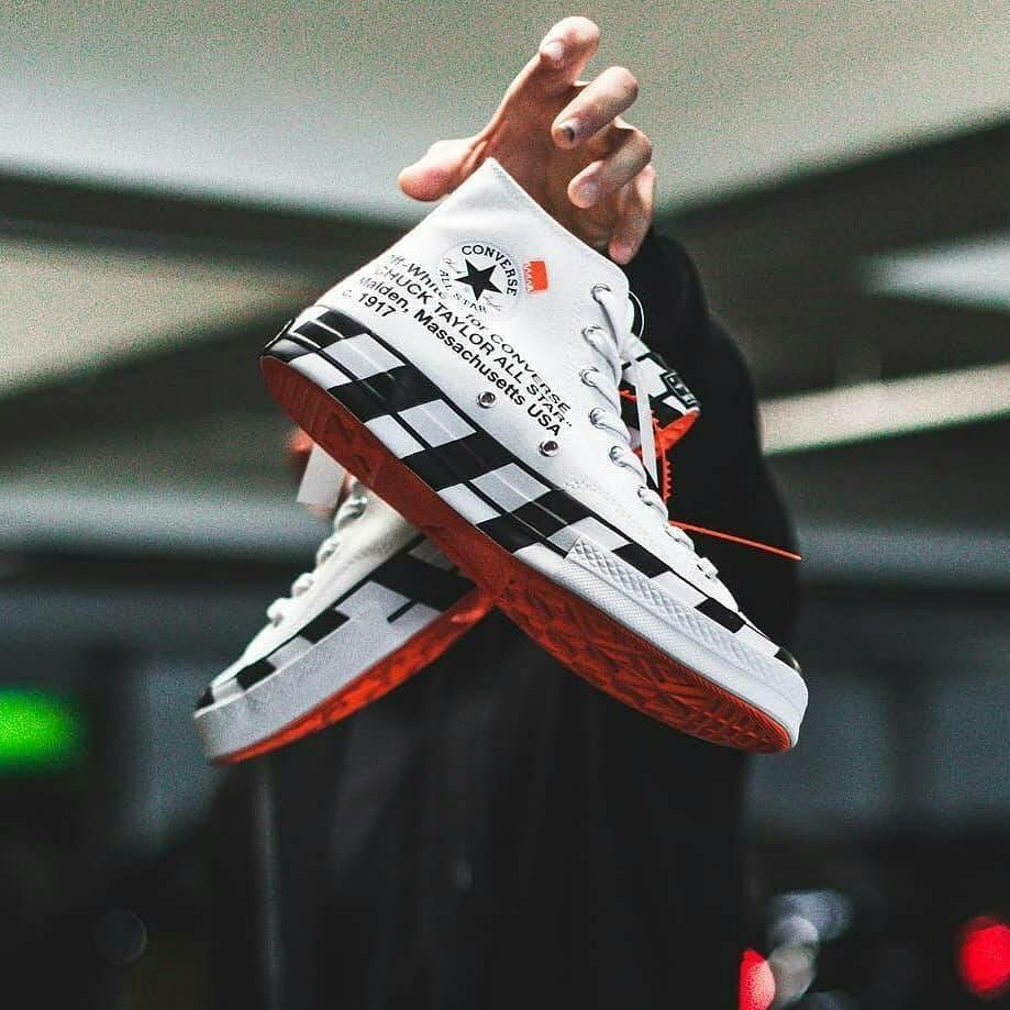 adidas,Nike,Yeezy,AJ  红字 Yeezy 350 低于原价!阿迪耐克把球鞋价格打下来了!这十几双现在都挺值!