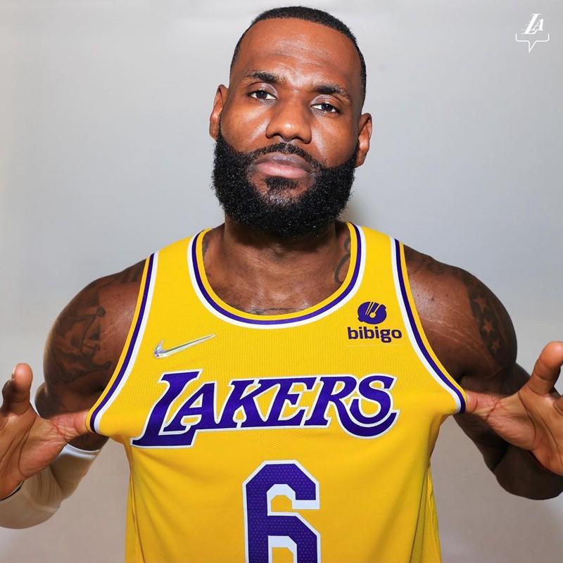 球衣,詹姆斯,湖人,Nike  钻石 Swoosh 太亮眼!詹皇正式上身湖人 6 号球衣!
