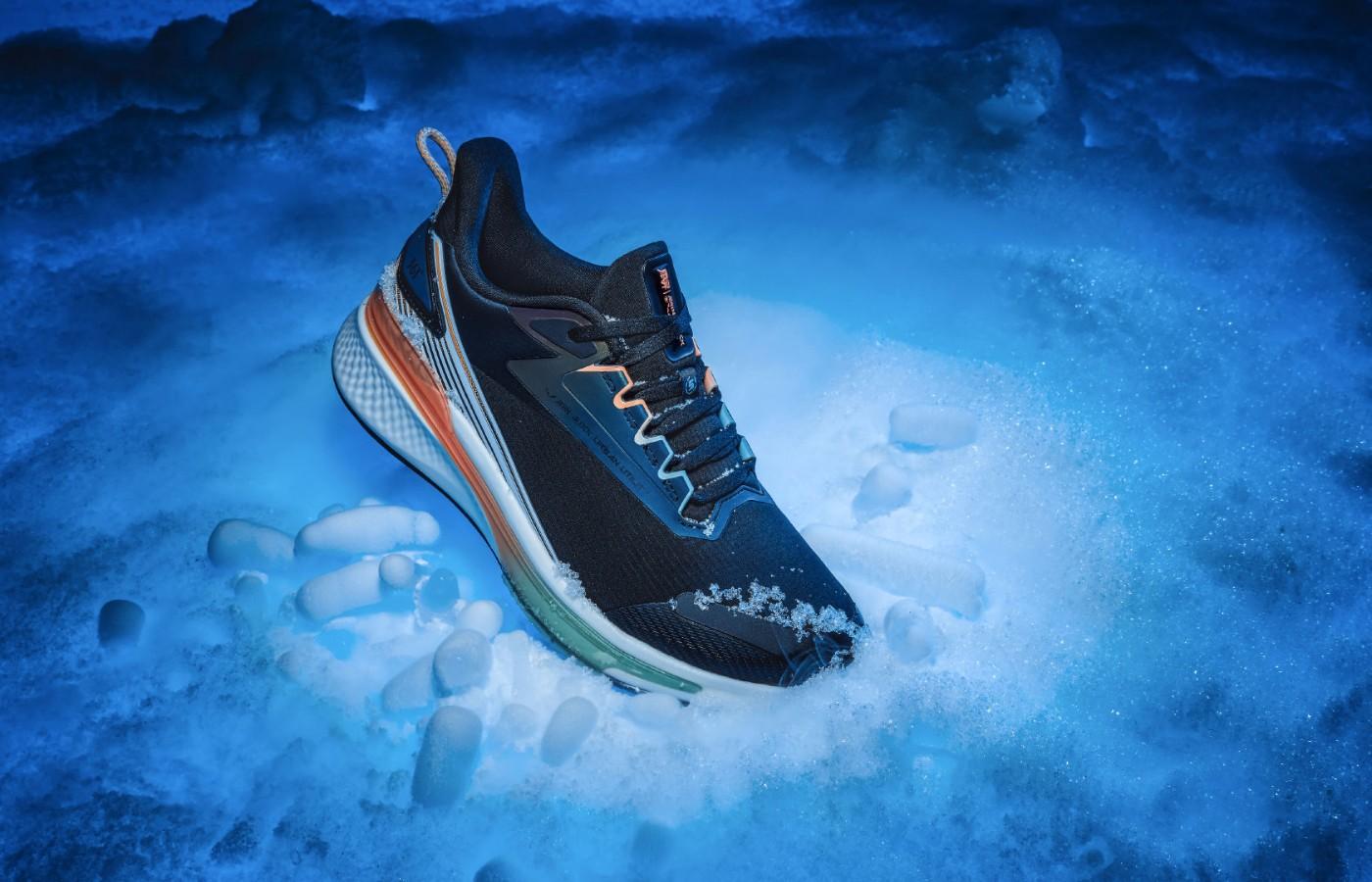 361°,雨屏 5.0,发售  下雨下雪都能穿!雨屏 5.0 跑鞋正式发售!性能再升级!