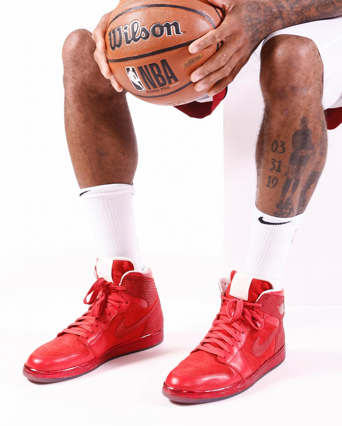 P.J.塔克,AJ1,Air Jordan 1  「鞋王」塔克称霸媒体日!上脚的天价 AJ1 你见过吗?