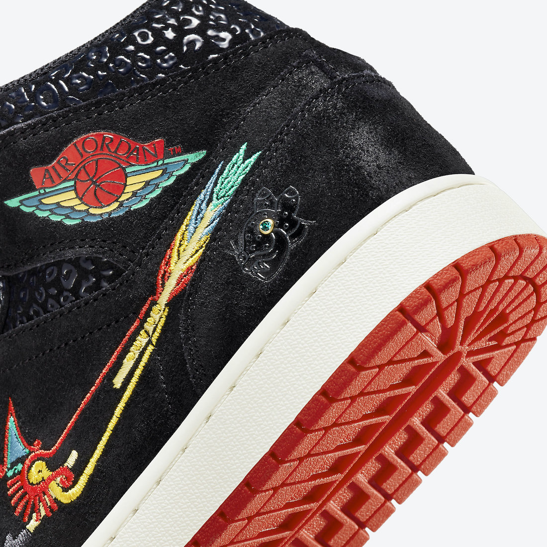 DN4904-001,AJ1,Air Jordan 1 DN4904-001 又凶又帅!亡灵节 Air Jordan 1 Mid 官图来了!本月发售