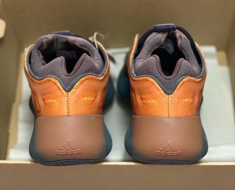 Yeezy 700 V3,Copper Fade  金光闪闪的华丽质感!「兵马俑」Yeezy 700 V3 最新实物释出!