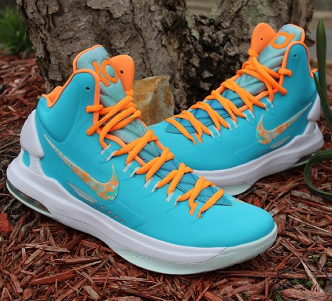 "Nike KD 5""Easter""曝光市售资讯"