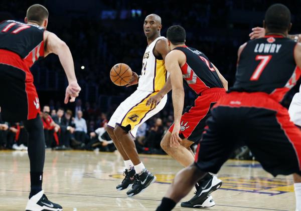科比穿着 Nike Kobe 1 Prelude 正式复出