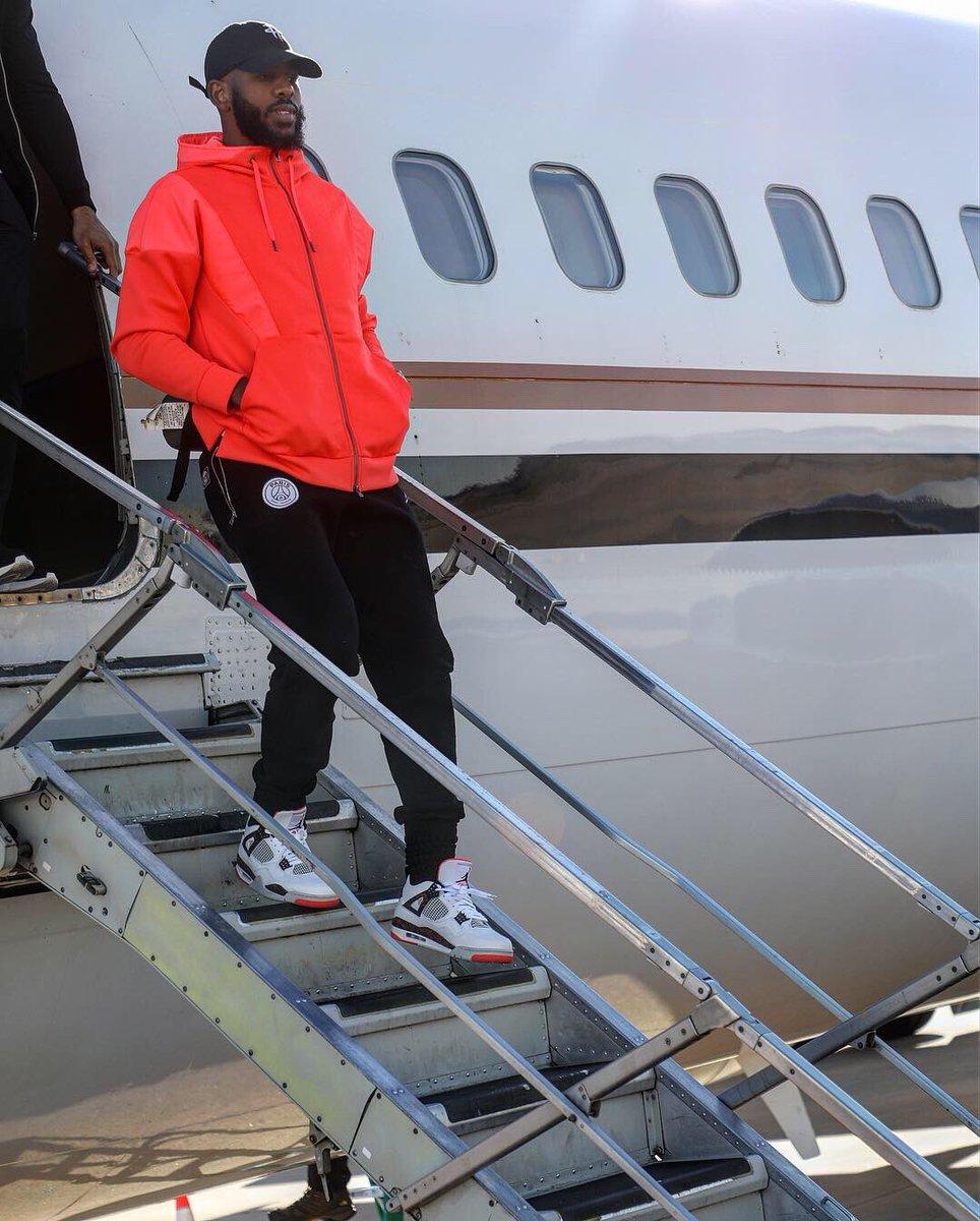 明星,上脚  威少穿了双「又骚又贵」的 AJ1!海外明星球鞋上脚精选 3.11
