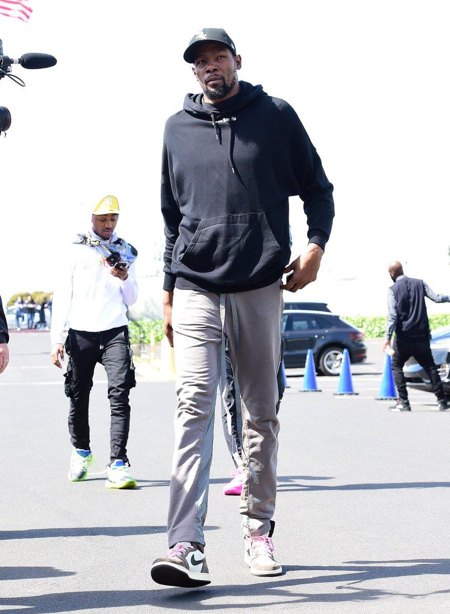 明星,上脚  Yeezy 篮球鞋现身!海外明星球鞋上脚精选 4.15